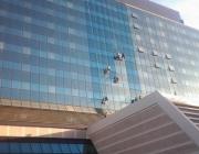visinski-radovi-pranje-prozora-crowne-plaza-1