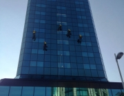 visinski-radovi-pranje-prozora-crowne-plaza-4