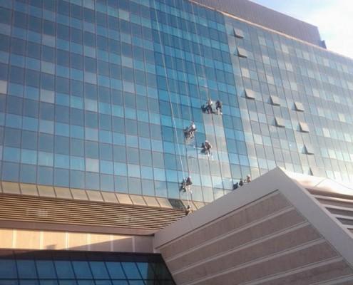 Pranje staklene fasade