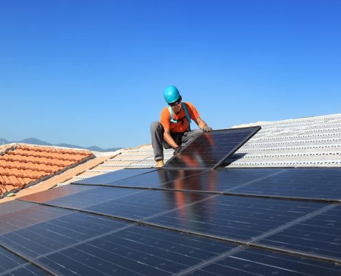 Elektro radovi na visini instalacija solarnih panela